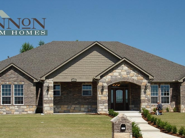 custom-home-construction-exterior